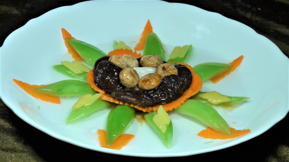 三菇燴芥菜