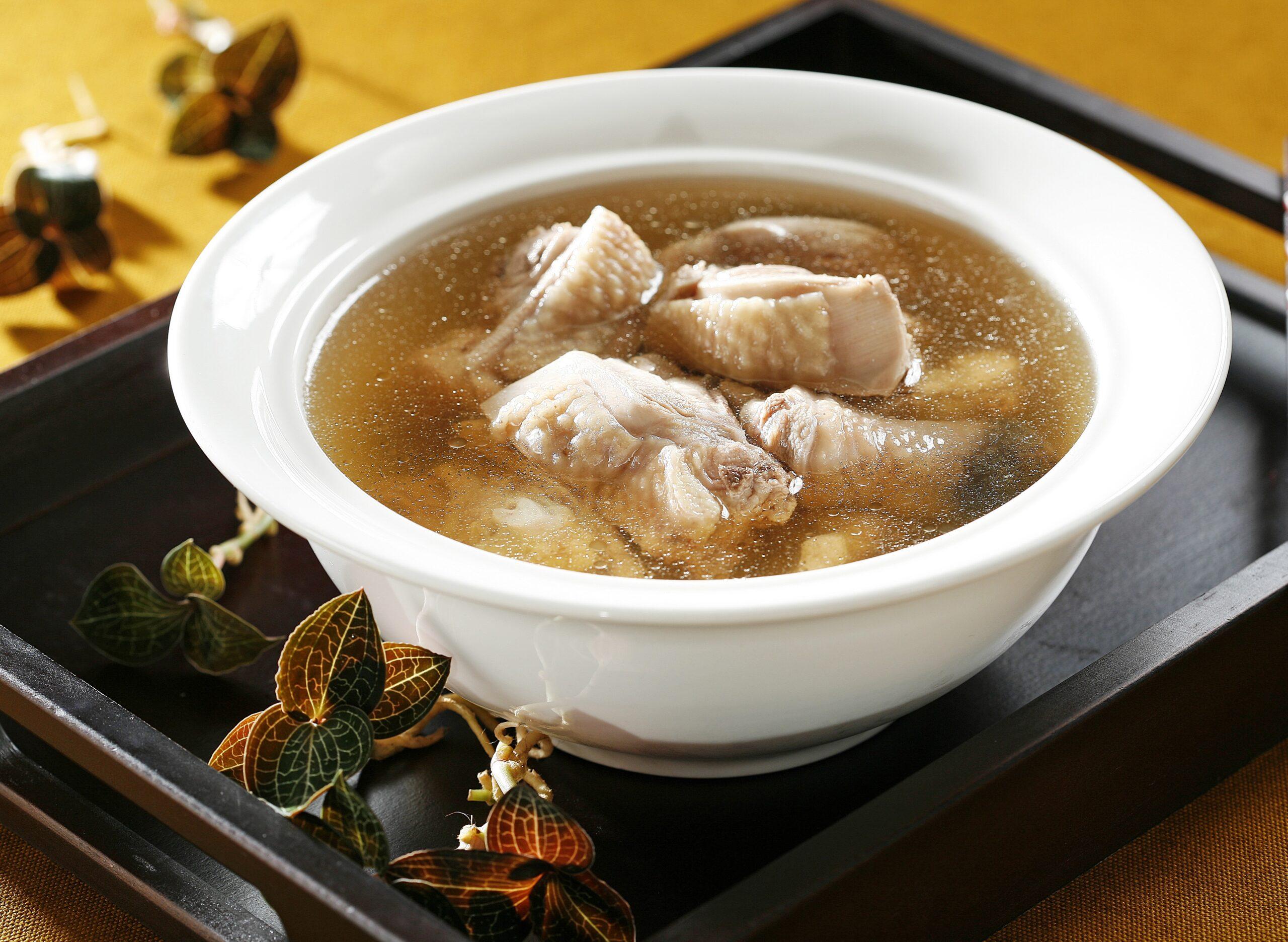鮮品金線蓮雞湯